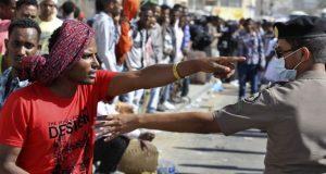 ترحيل العمالة الوافدة ينذر بتردي اقتصاد السعودية